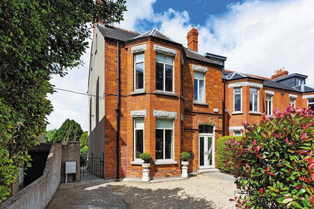 43 Anglesea Road, Ballsbridge, Dublin 4.